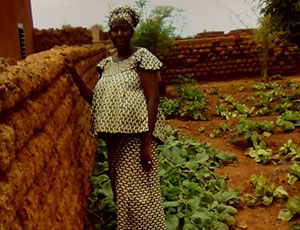 During her pregnancy, Denise's sister-in-lawbenefitted from healthy produce grown in thehousehold garden.