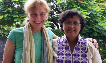 Peggy Koniz-Booher, SPRING Senior Nutrition and SBCC Advisor, meets with the Alive & Thrive representative, Dr. Nagendra Varada in Jharkhand, India.