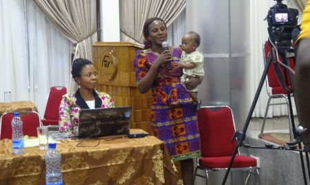 At a 2016 celebration in Nigeria, a caregiver shares her experience on how she successfully exclusively breastfed her twins.