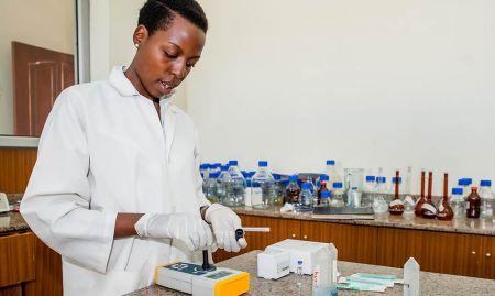 Brenda Ayebare of UIRI tests salt samples for iodine using the iCheck machine.