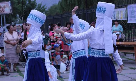 """Jash Kiyal"" performs traditional dances as part of the World Breastfeeding Week celebration."