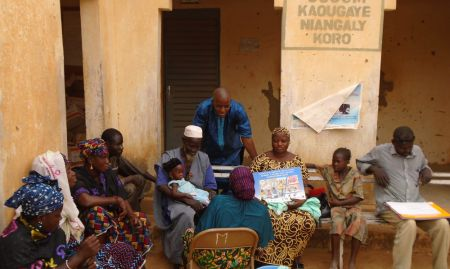 Community volunteers participate in an ENA/EHA training Koro (May 2015)