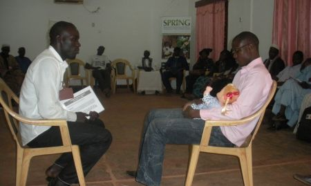 Participants practice interpersonal communications skills during an ENA/EHA training of trainers in Mopti (April 2015)