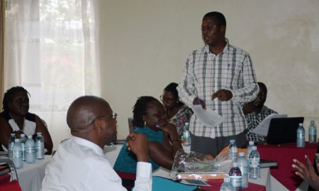 Martin Bulamu leads the discussion for the validation of the MNP implementation guide.