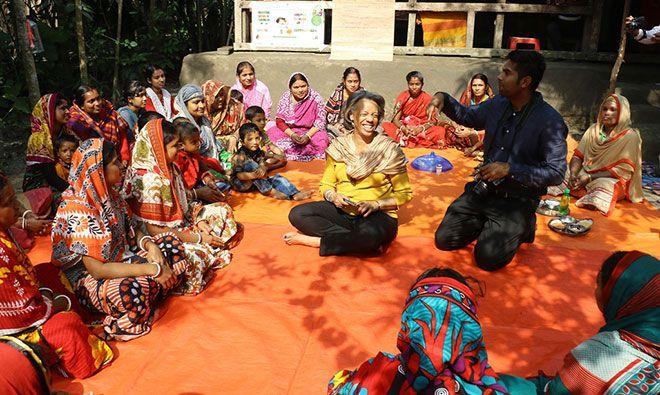 U.S. Ambassador and USAID Mission Director Visit a SPRING/Bangladesh Farmer Nutrition School