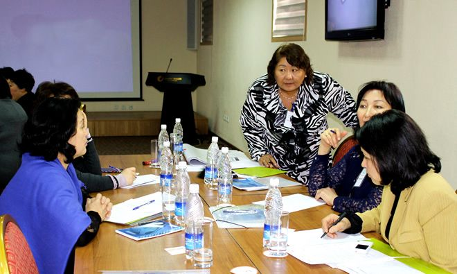 SPRING/Kyrgyz Republic and the Republican Center for Health Promotion Discuss National Nutrition Messaging