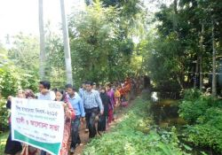 A parade for Global Handwashing Day