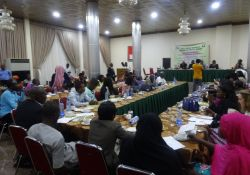 Cross-section of participants at the press briefing.