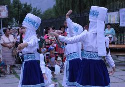 """Jash Kiyal"" performs traditional dances as part of the World Breastfeeding Week celebration."