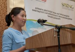 Turukuianova Gulszat of Ozgorush village, Toktogul rayon, Jalalabad oblast, shares her experience overcoming anemia at the Bishkek event.